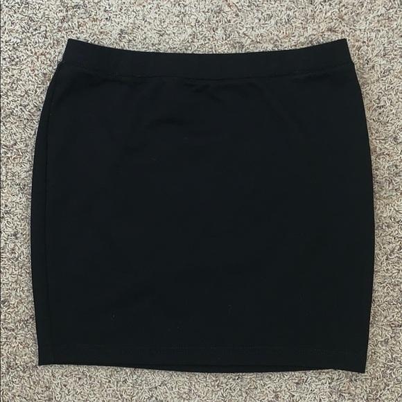 Candie's Dresses & Skirts - Short black pencil skirt